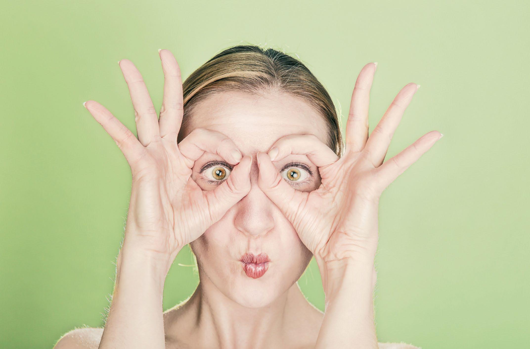 Page 64 of A importancia da igiene das lentes de contato? The importance of contact lens hygiene?
