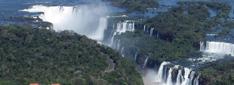Page 62 of Cataratas do Iguaçu um novo atrativo em cada país Iguazu Falls a new attraction in each country