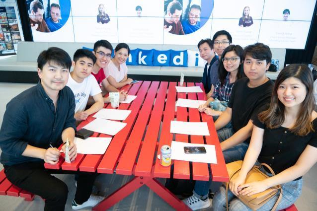 Page 21 of Digi Biz Exposure: A visit to LinkedIn's HK office
