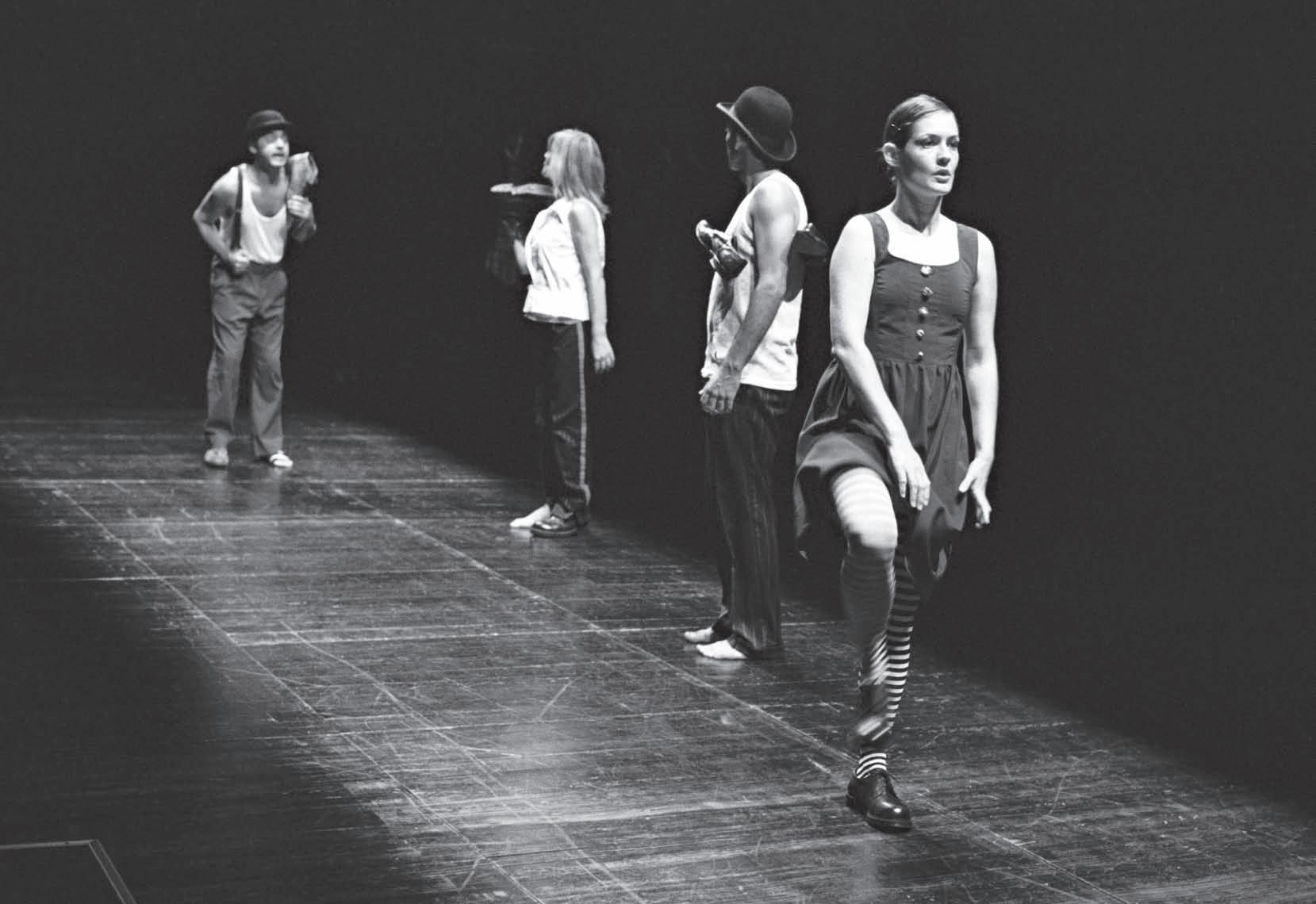 """Page 58 of Opowieści z szafy. Przedstawienie """"Teatro Menor"""" teatru A Escola da NoiteAnna Sieroń"""