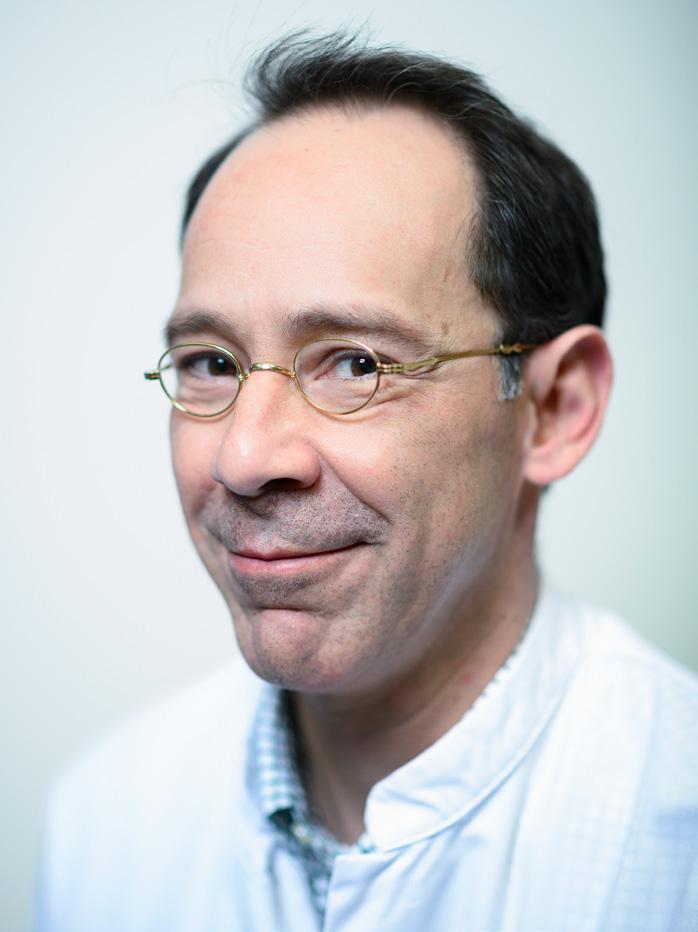 Page 8 of Kno-arts Raphael Hemler zit namens de Federatie Medisch Specialisten in advies commissie Zorgevaluatie & Gepast Gebruik