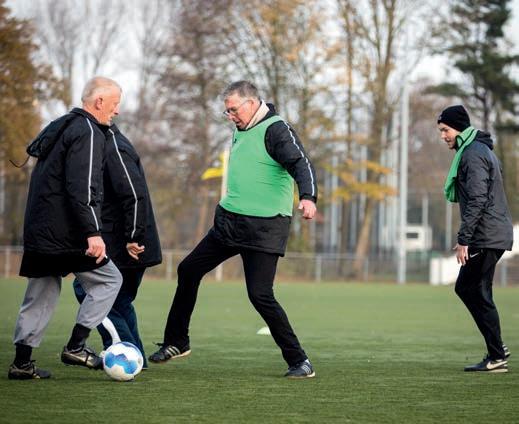 Page 38 of Fanatiek e spelers tijdens Old Starts Walking Football