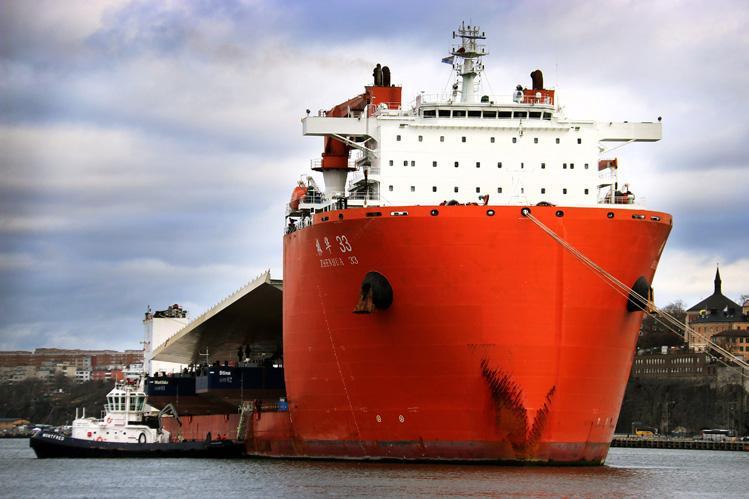 Page 18 of Ett skepp kommer lastat med Slussen guldbro