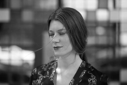 Page 32 of Spisovateľka aprekladateľka Lucia Duero: Keď sa unavím vjednom jazyku, od-dýchnem si vdruhom