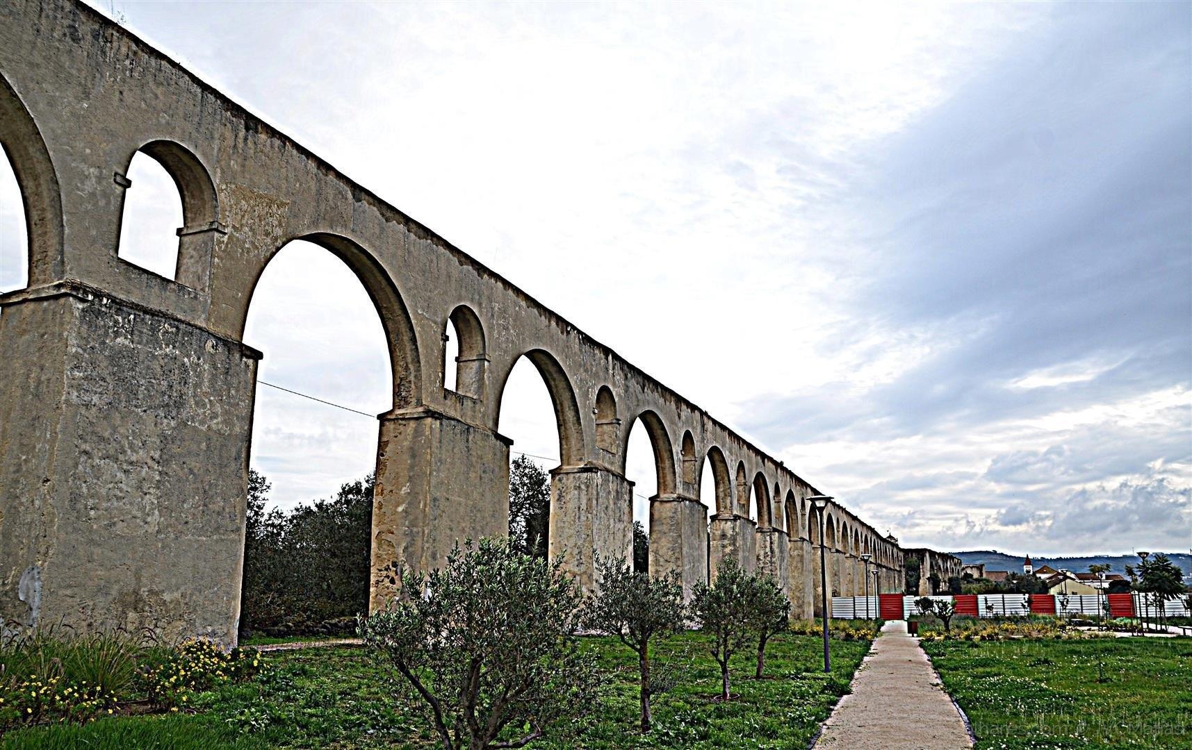 Page 10 of O Aqueduto de Santo Antão do Tojal