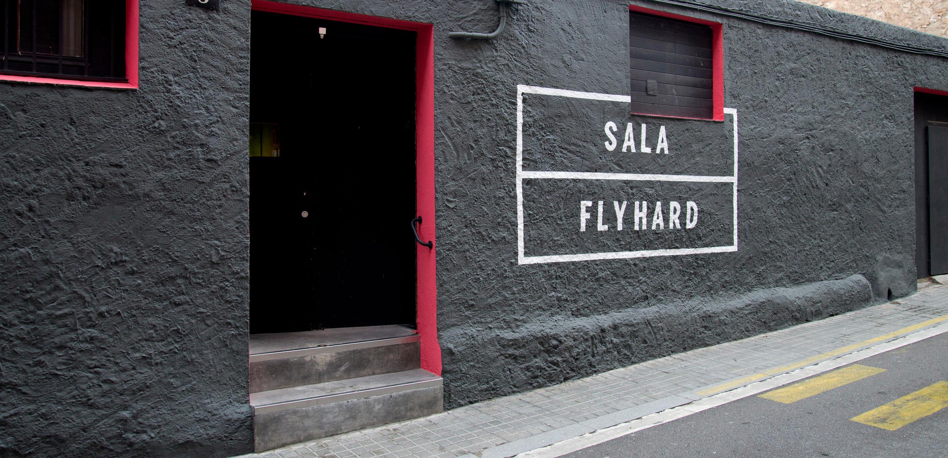 Page 8 of Sala Flyhard, treball i èxit