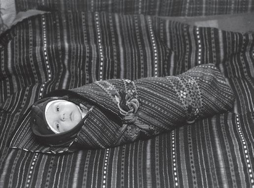 """Page 28 of Ha leánka lesz, ha fijú…!"""" (A gyermek keresztelése Moldvában"""