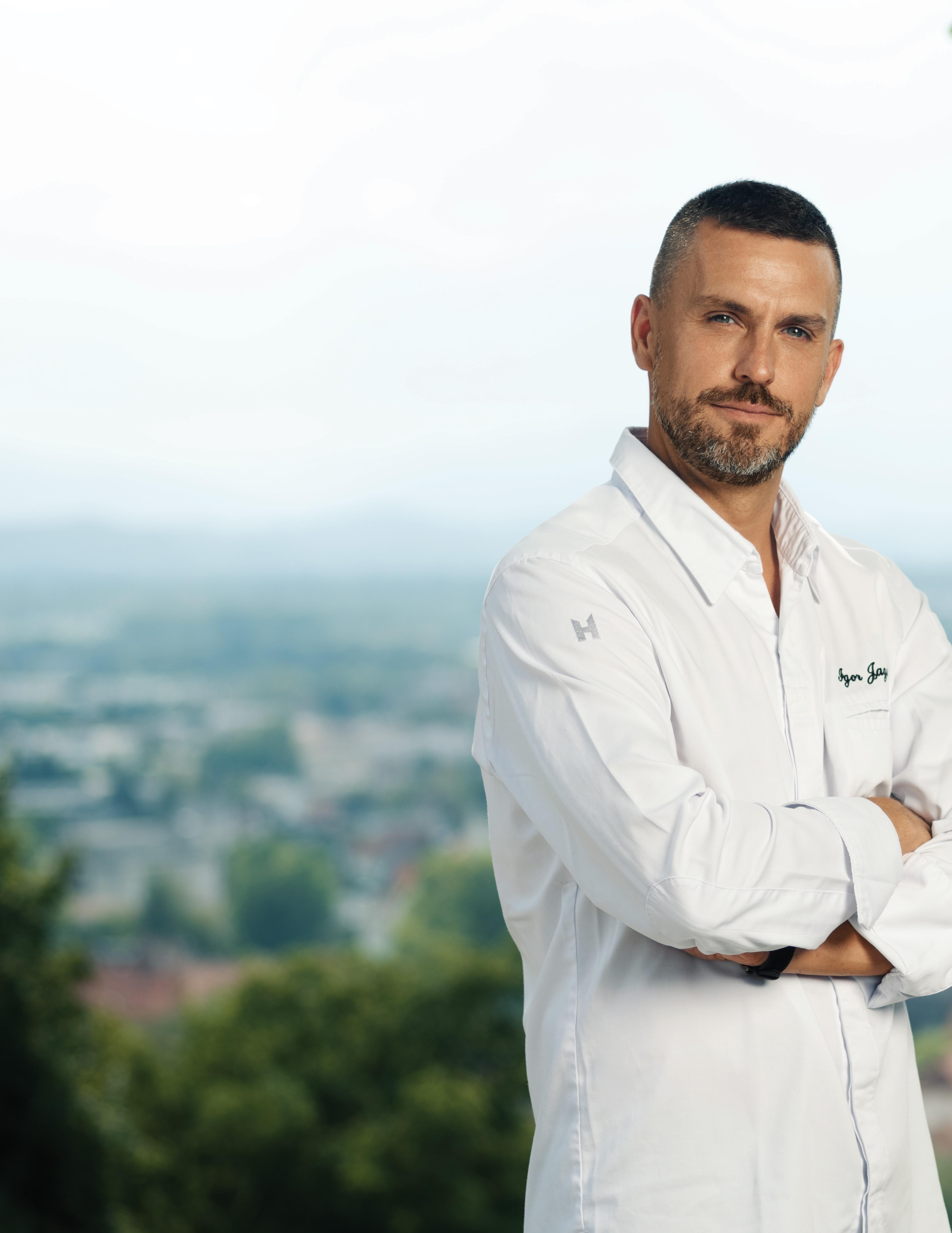 Page 20 of DUEL . Igor Jagodic vs. Jakob Pintar, kuharska chefa