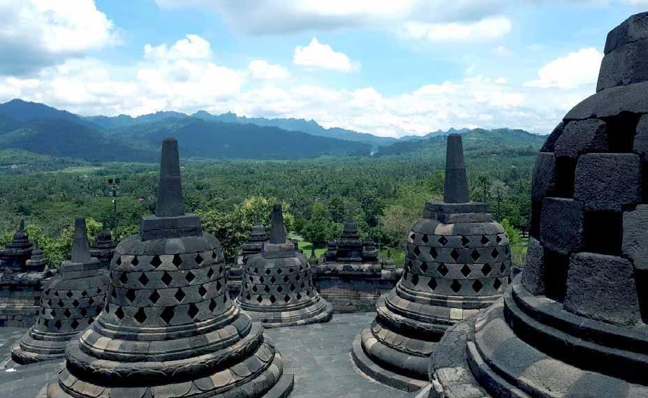 Page 16 of Reisefortelling - Borobudur
