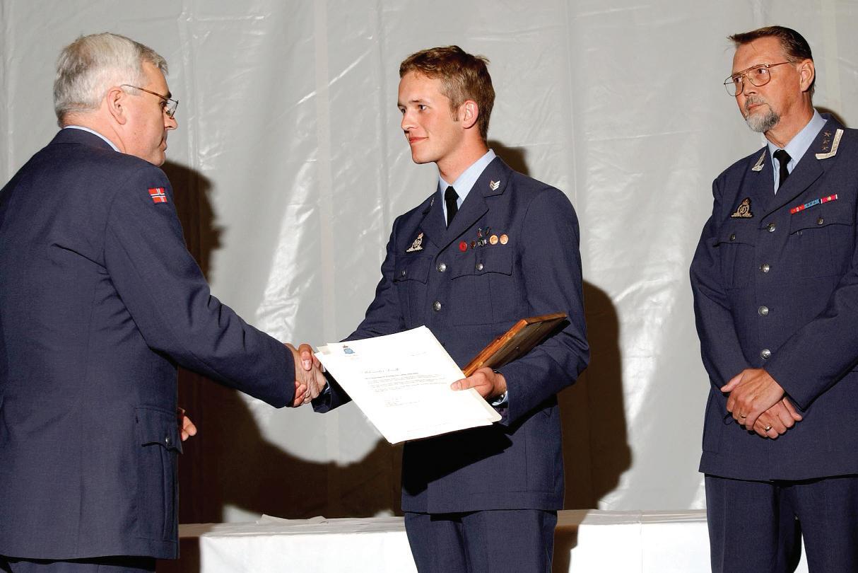 Page 45 of Kullets beste elev og Luftmilitært Samfunds reisestipend