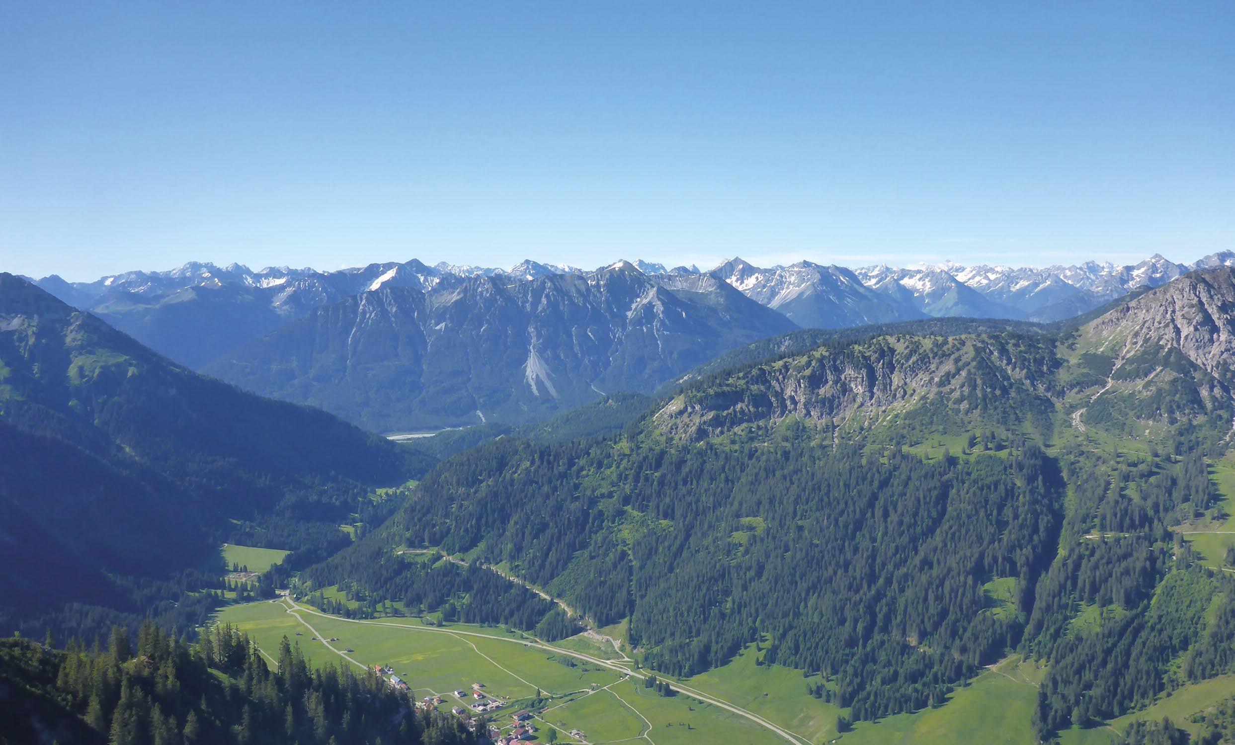 Page 4 of bergauf – bergab Tannheimer Tal