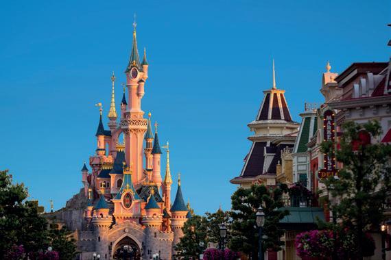 Page 36 of Redescubre la magia de Disneylad Paris con Touring Club