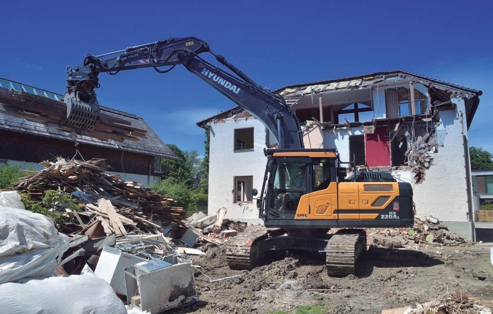 Page 16 of Trabajos de demolición con la nueva excavadora Hyundai