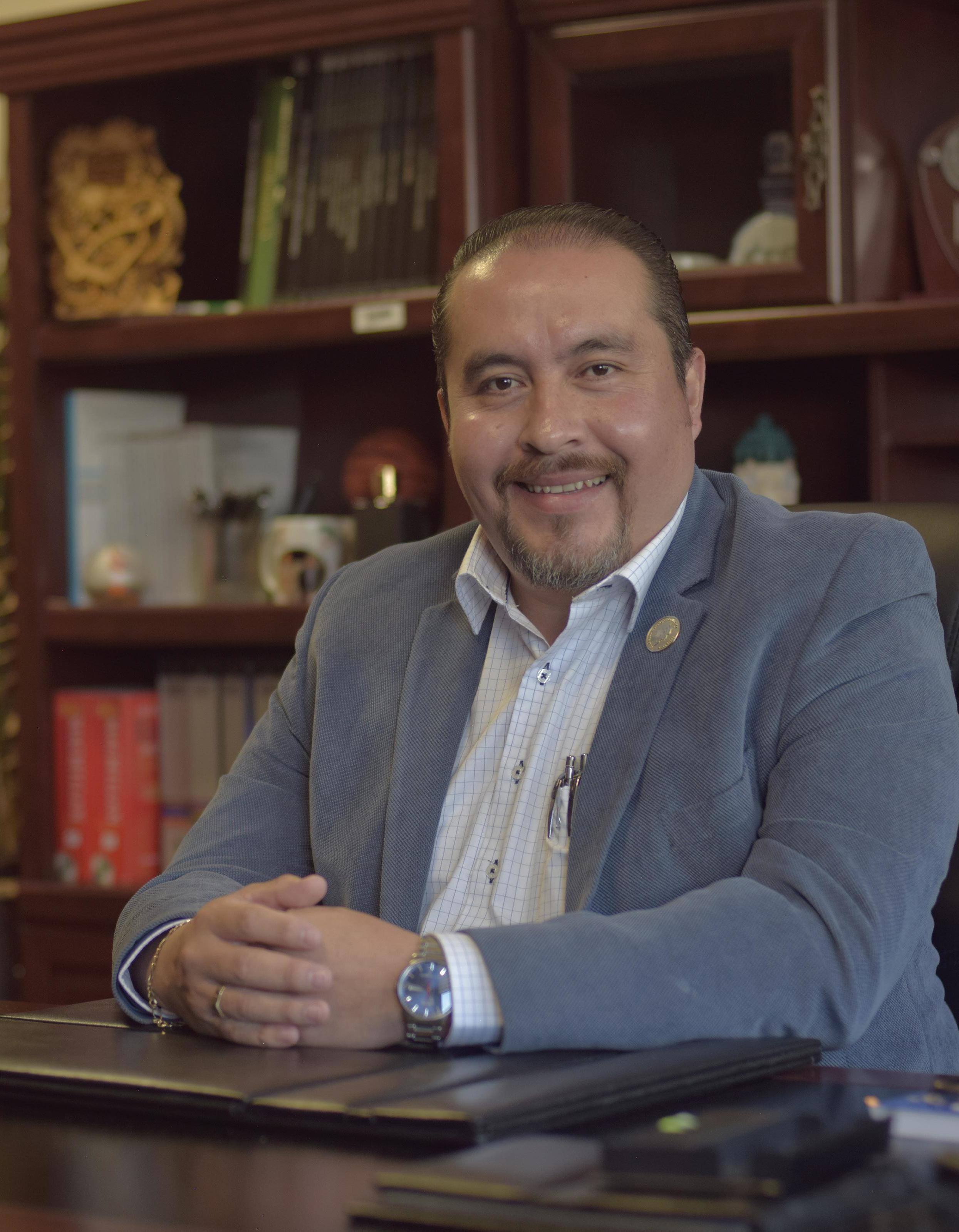 Page 8 of La responsabilidad como valor primor dial. José Luis González Cuéllar, rector de la UTT