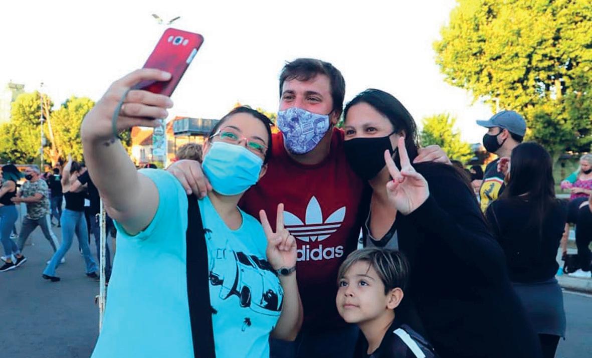 Page 10 of la crisis sanitaria y social Avellaneda: Alejo Chonobroff sigue los pasos de Jorge Ferraresi