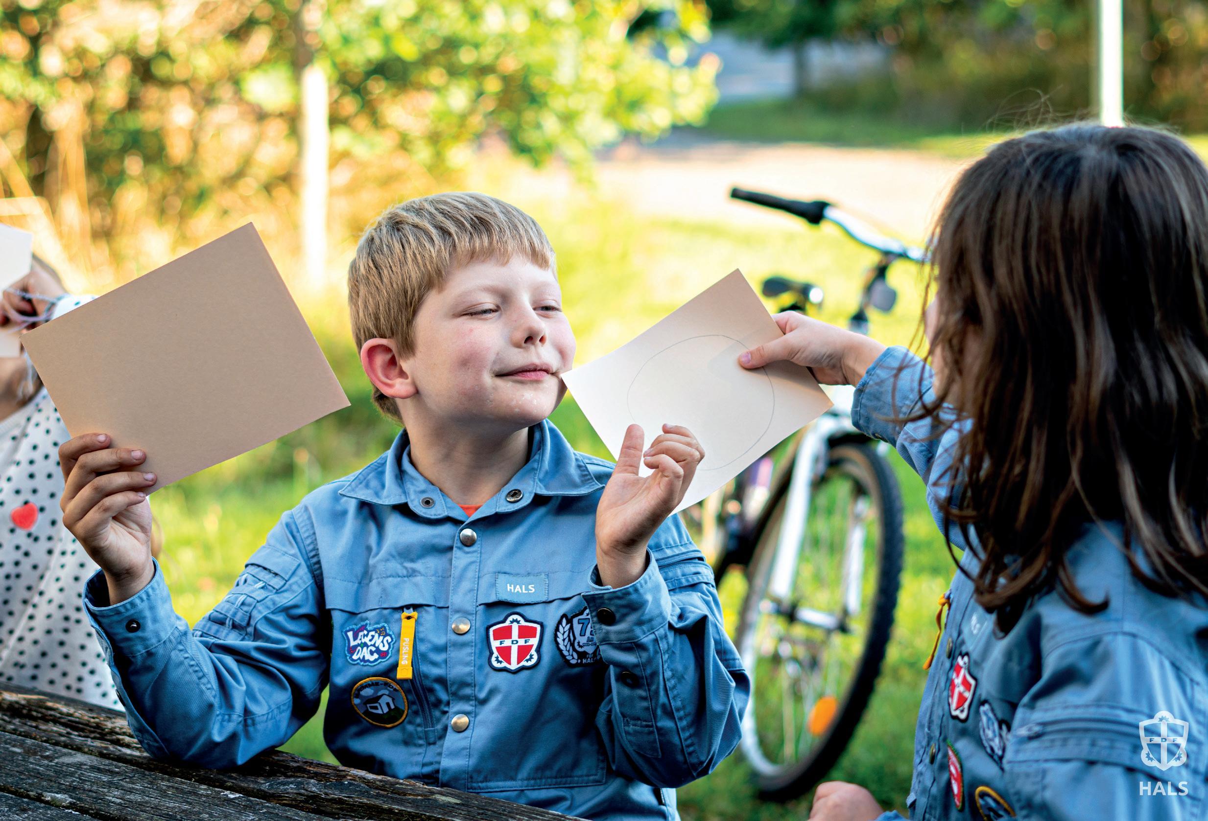 Page 38 of DEN BLÅ KASSE. KREA-KLIP