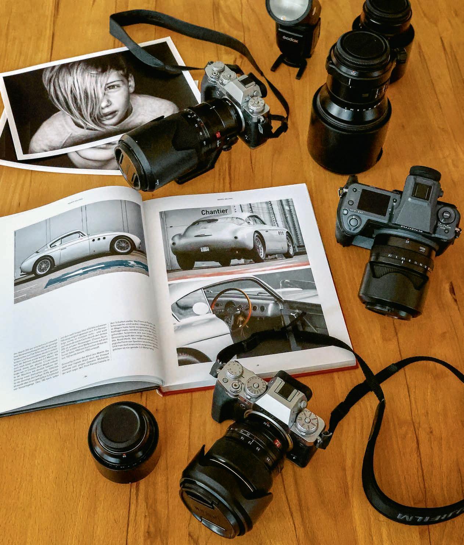 Page 20 of Côté privé: qui est photographe et globe-trotteur?