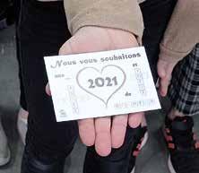 Page 6 of Solidarité : Des colis de bonne année et des heureux