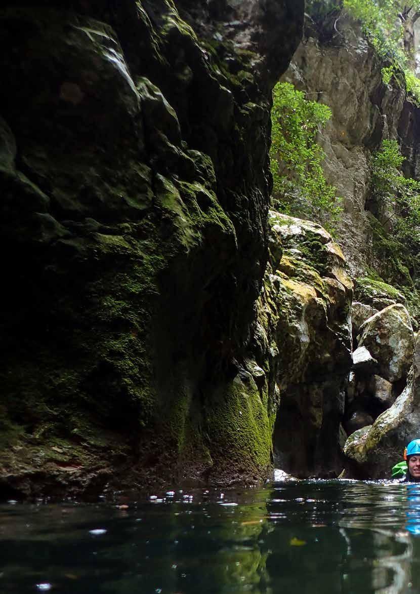 Page 42 of Canyoning in de Azoren en Balearen