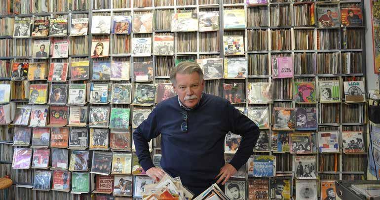 Page 16 of Patrick Vandenbergh: leven tussen bergen van vinyl