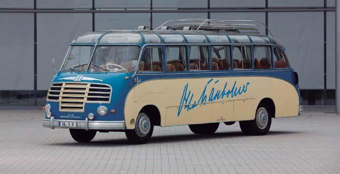 Page 44 of 2021 un año de aniversarios en Daimler Buses