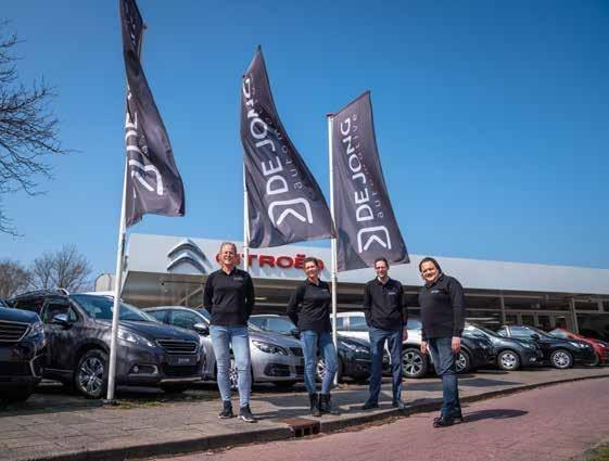 Page 56 of De Jong Automotive uit Katwijk heeft een nieuwe huisstijl en de Carver in de showroom