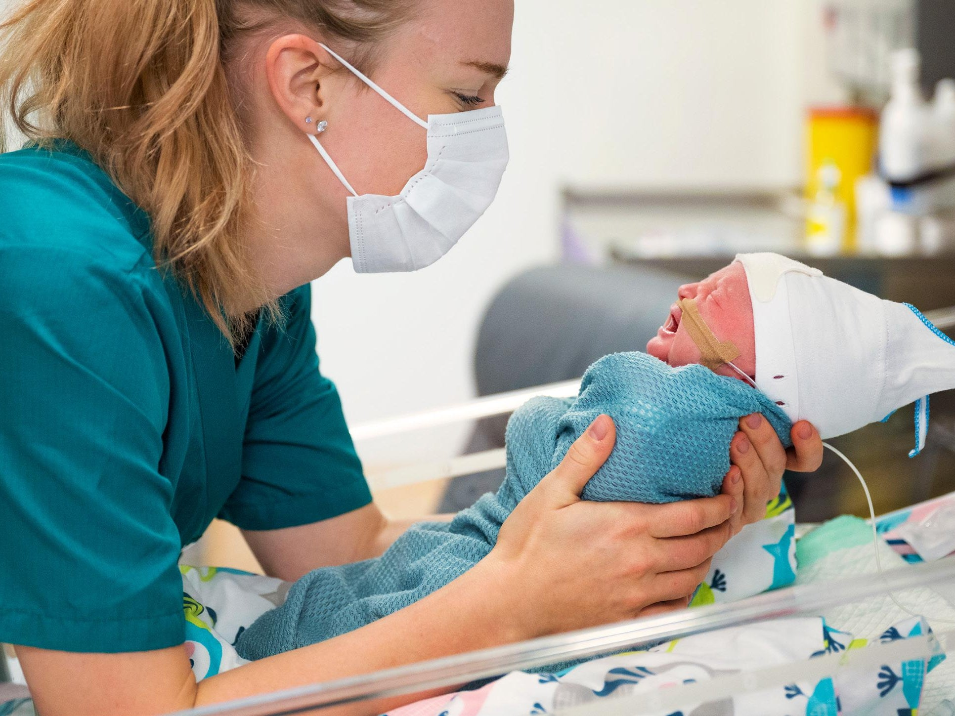 Page 8 of Lohjan synnytyssairaala: Yli 1000 vauvaa ja hyvä meininki