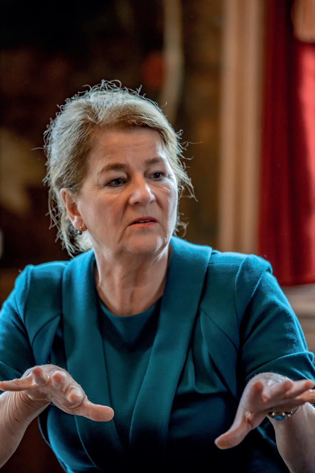 Page 4 of Interview: Burgemeester Annemarie Penn