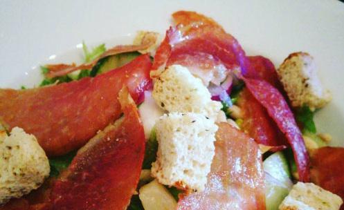 Page 17 of Matoppskriften: Salat med spekeskinke