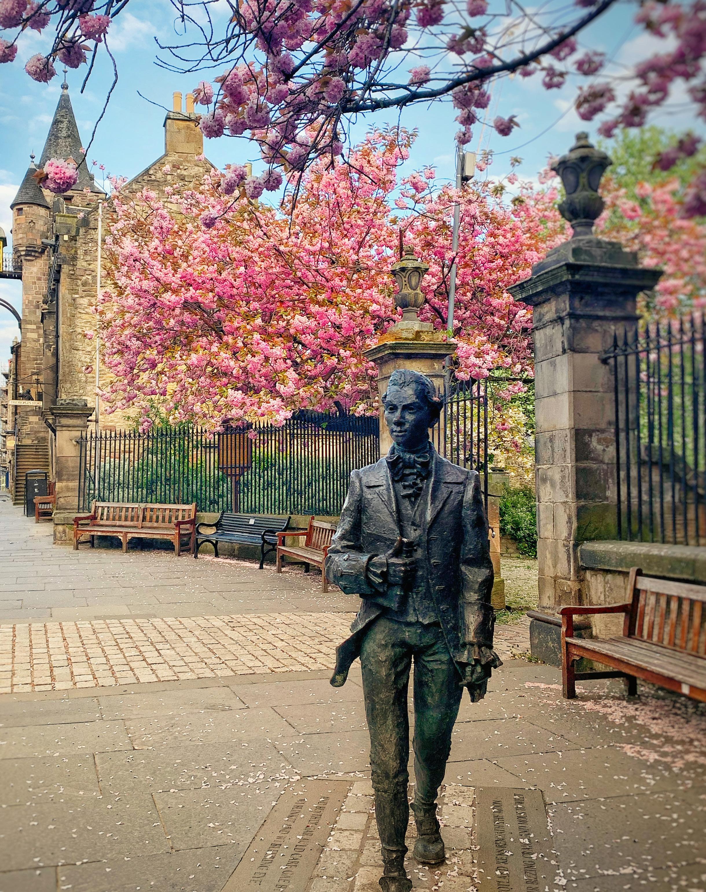 Page 82 of Scotland: Vibrant Edinburgh