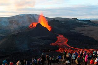 Page 84 of Reykjanes peninsula puts on a grand show