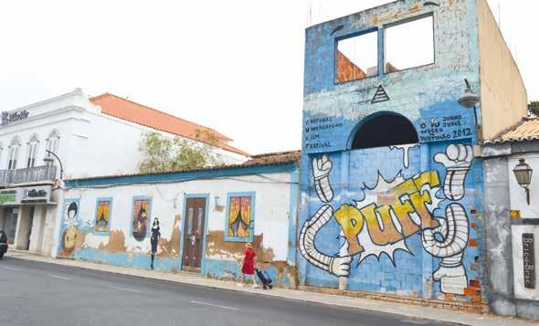 Page 4 of Autarquia prepara cerca de 700 mil euros para comprar conjunto de edifícios ao lado da antiga 'Tralha', em frente ao Largo 1º Dezembro. Objetivo é ligar o Largo do Dique à Rua Júdice Biker