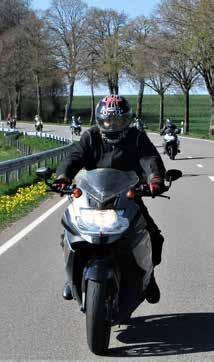 Page 32 of Sichere Touren mit dem Motorrad . S