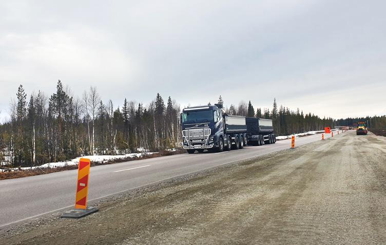 Page 30 of Vägen rustas upp i skuggan av 90 tons malmtransporter