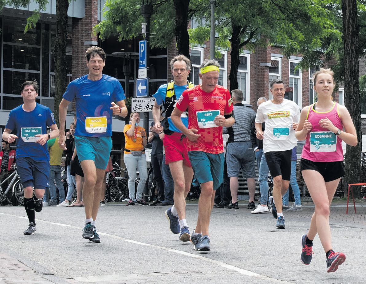 Page 9 of Marathon 'by far' het grootste evenement van onze stad