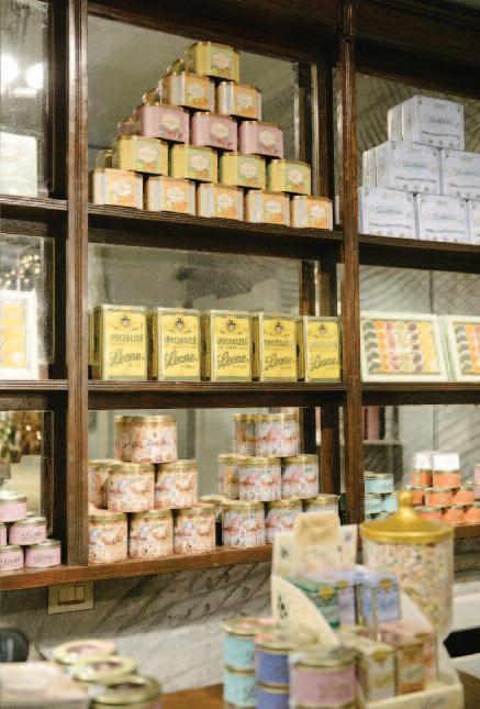 Page 18 of Pastiglie Leone celebra la bellezza del Made in Italy tra design, moda, arte e fiori