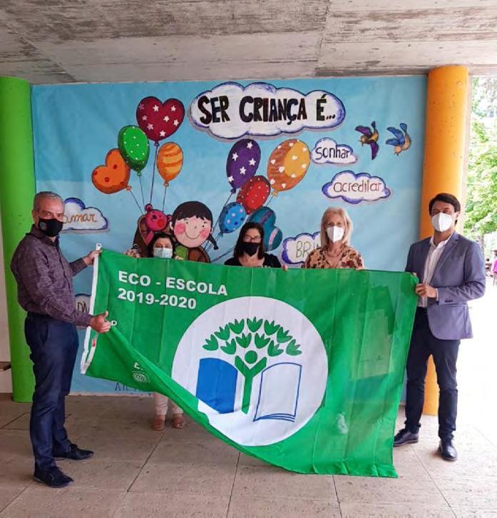 Page 13 of Bandeira Eco-Escola chegou