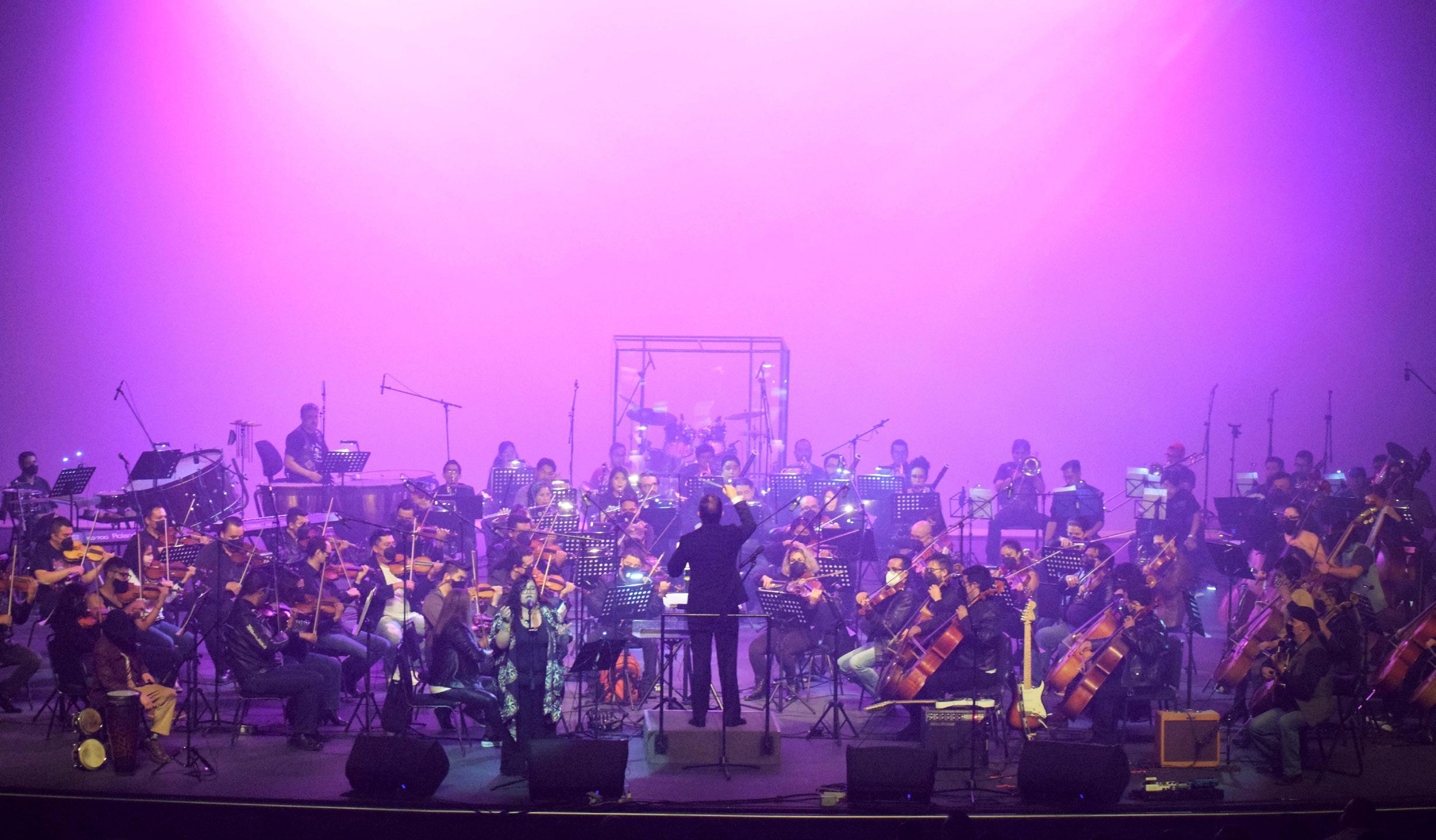 Page 50 of Orquesta Filarmónica de Toluca, Renacer con Chauvet Professional