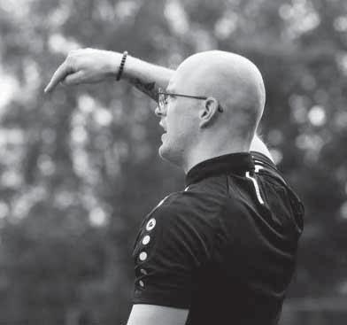 Page 12 of Damesvoetbal FC Grootegast volop in ontwikkeling